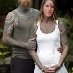 Jacqui Moore: um novo amor e 85% do corpo tatuado por ele.