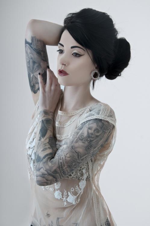 Lindas Garotas Tatuadas (9)