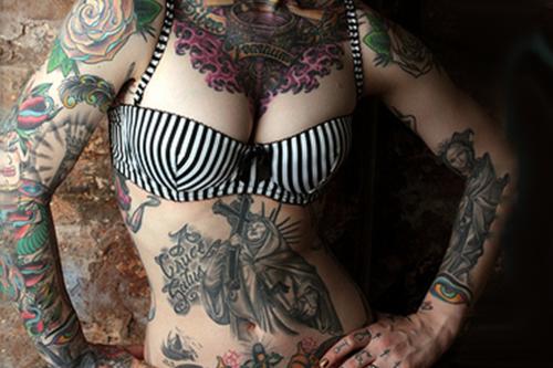 Lindas Garotas Tatuadas (21)