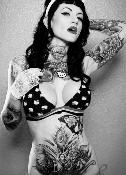 Lindas Garotas Tatuadas (20)