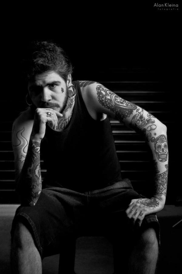 Fotos do dono do Curitiba Tatuagem (4)