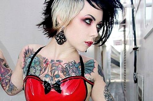 30 Lindas mulheres tatuadas (11)