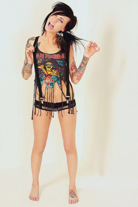 30 Lindas mulheres tatuadas (9)