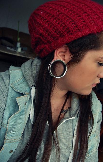 Fotos de pessoas com alargadores de orelha (14)