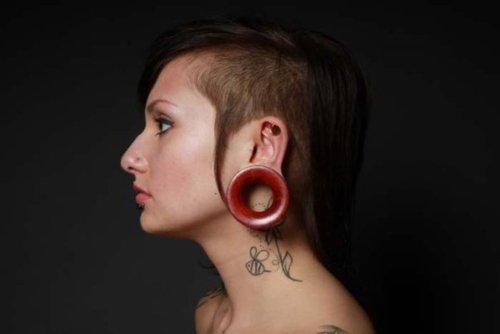 Fotos de pessoas com alargadores de orelha (6)