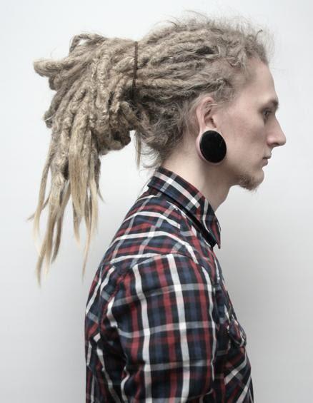 Fotos de pessoas com alargadores de orelha (3)