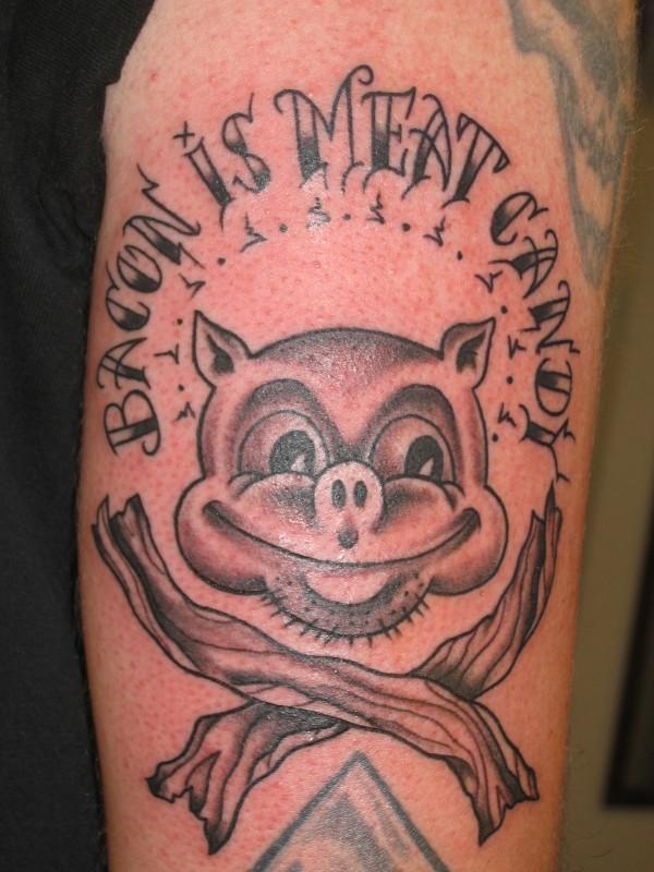 Tatuagens para quem adora comer bacon (34)