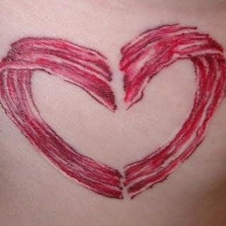 Tatuagens para quem adora comer bacon (19)