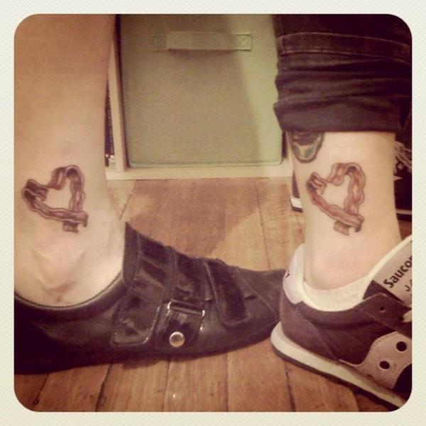 Tatuagens para quem adora comer bacon (6)
