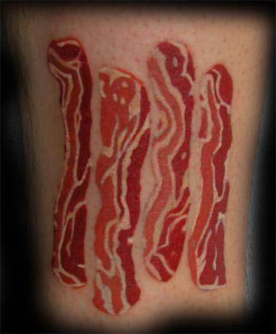Tatuagens para quem adora comer bacon (3)