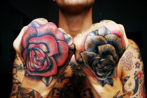 Fotos de tatuagens nas mãos e dedos (54)
