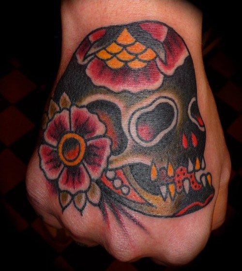 Fotos de tatuagens nas mãos e dedos (26)