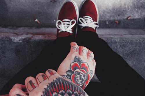 Fotos de tatuagens nas mãos e dedos (13)