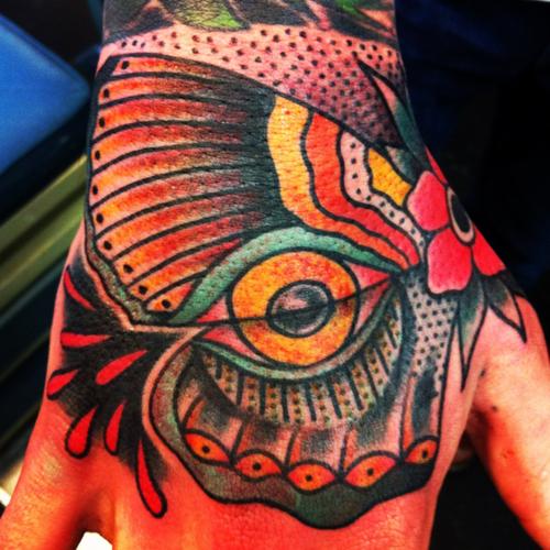 Fotos de tatuagens nas mãos e dedos (7)