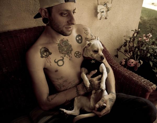 Pessoas Tatuadas com Cães de estimação (1)