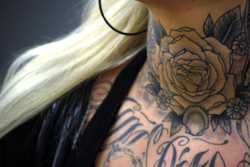 Fotos de tatuagens de rosas (48)