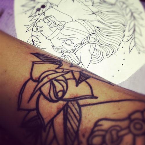 Fotos de tatuagens de rosas (30)