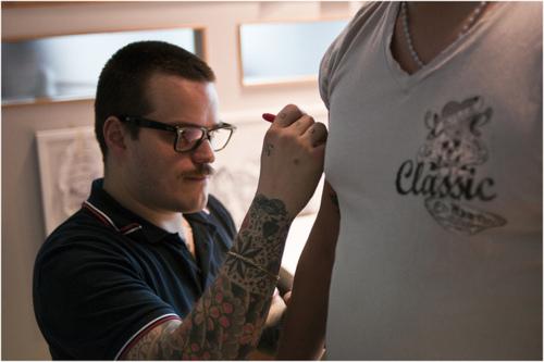 Como é o trabalho de um tatuador (32)