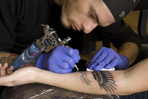 Como é o trabalho de um tatuador (26)