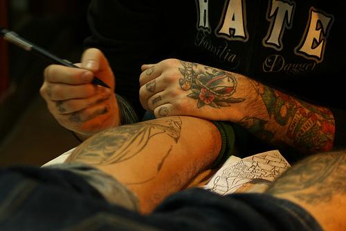 Como é o trabalho de um tatuador (25)