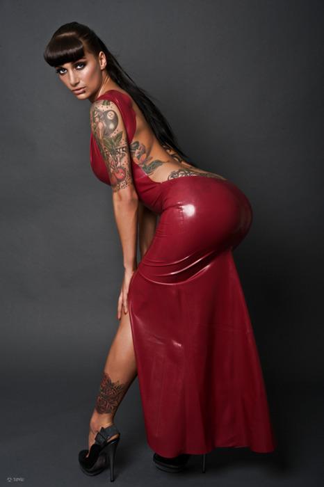 Fotos de mulheres tatuadas (26)