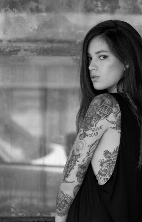 Fotos de mulheres tatuadas (22)