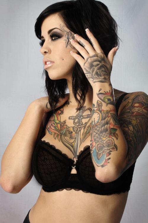 Fotos de mulheres tatuadas (18)