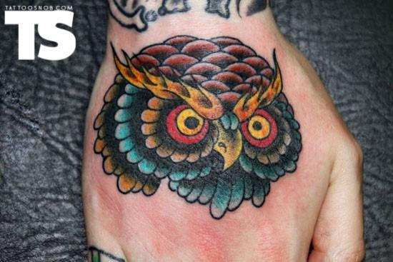 Tatuagens criativas de corujas (132)
