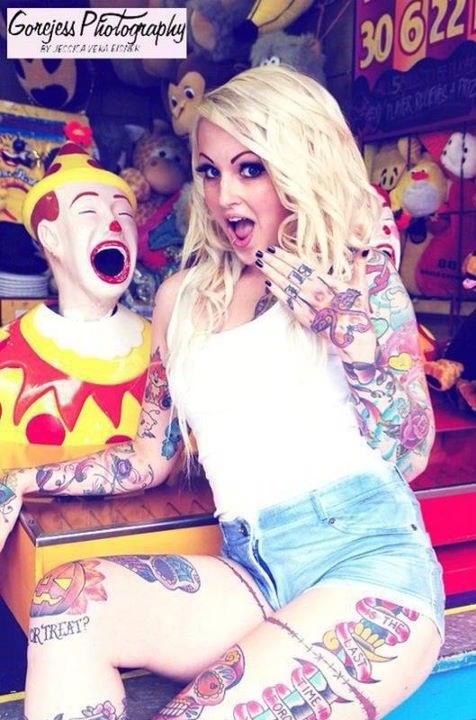 Fotos de mulheres tatuadas (7)