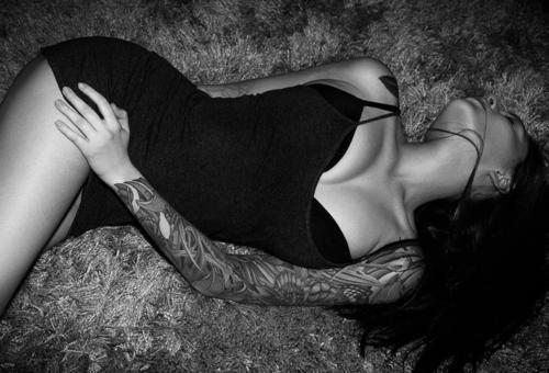 Fotos de mulheres tatuadas (6)