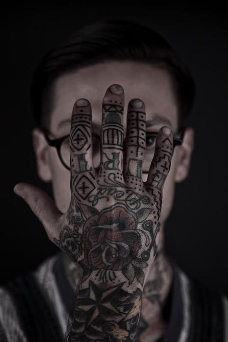 Imagens de tatuagens nas mãos (24)