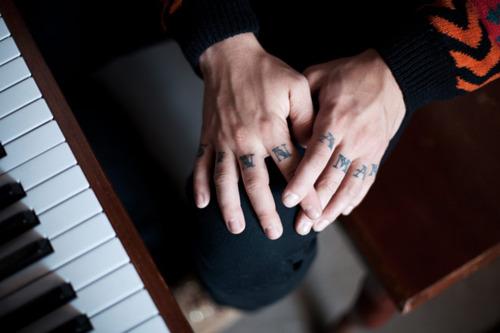 Imagens de tatuagens nas mãos (13)