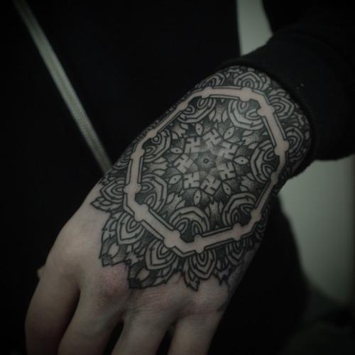 Imagens de tatuagens nas mãos (7)
