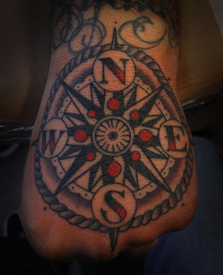 Imagens de tatuagens nas mãos (3)