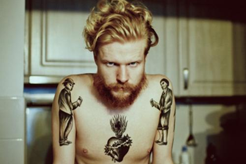 Barbudos tatuados (23)
