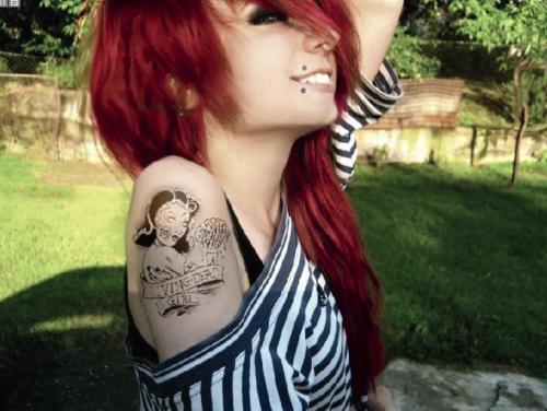 Mais 50 ruivas tatuadas (38)