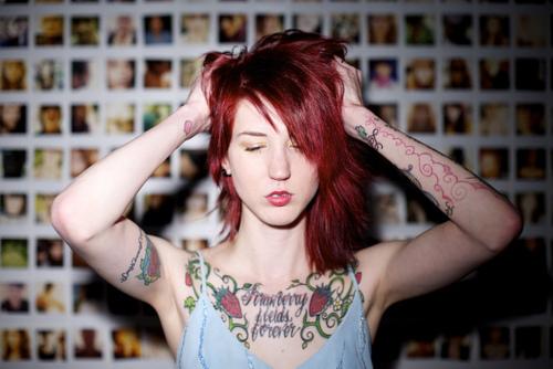 Mais 50 ruivas tatuadas (31)