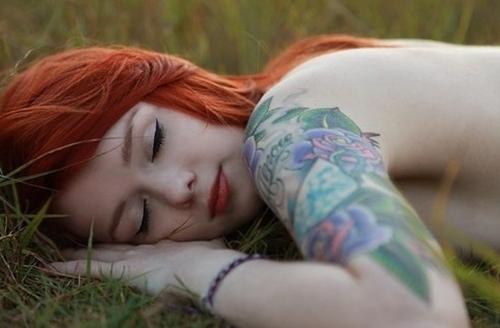 Mais 50 ruivas tatuadas (23)