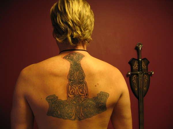Tatuagens do martelo do Thor (16)