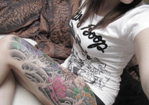 Fotos de mulheres tatuadas (19)
