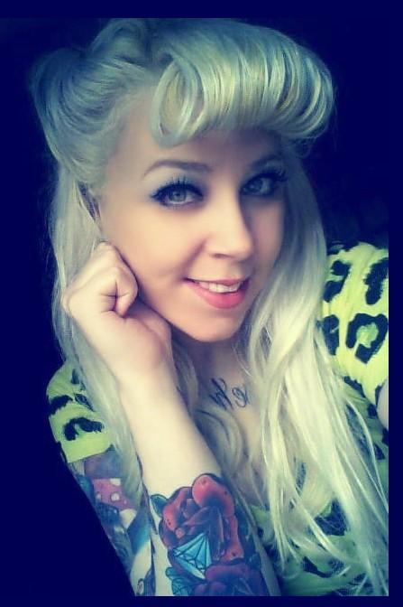 Fotos de mulheres tatuadas (17)