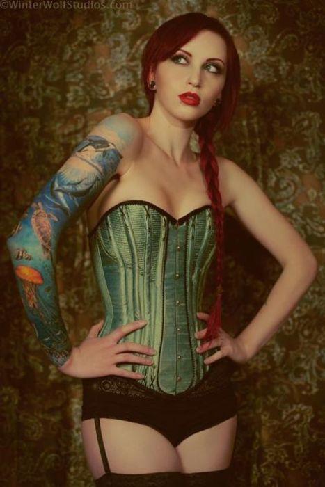 Fotos de mulheres tatuadas (16)