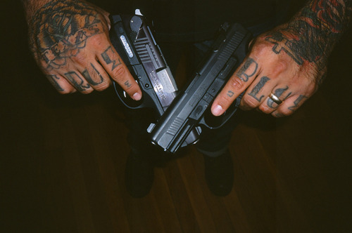 Exemplos de tatuagens nas mãos e dedos (42)