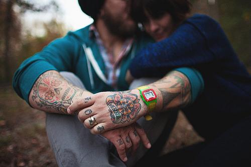 Exemplos de tatuagens nas mãos e dedos (7)