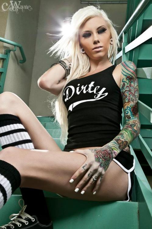 Fotos de garotas tatuadas (16)