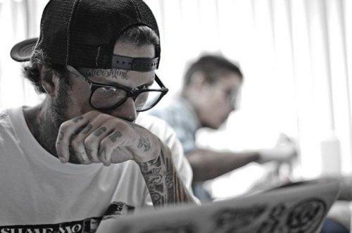 Homens tatuados e modificados (11)