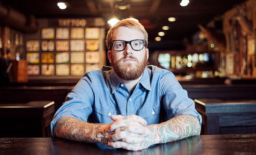 Homens tatuados e modificados (1)