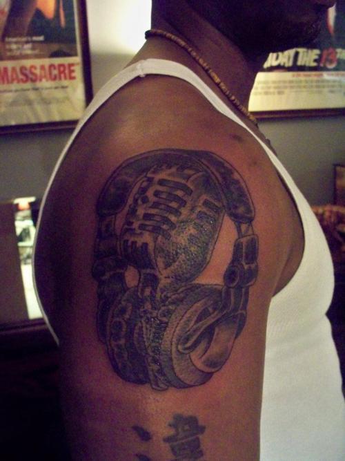 Tatuagens com o tema música (63)