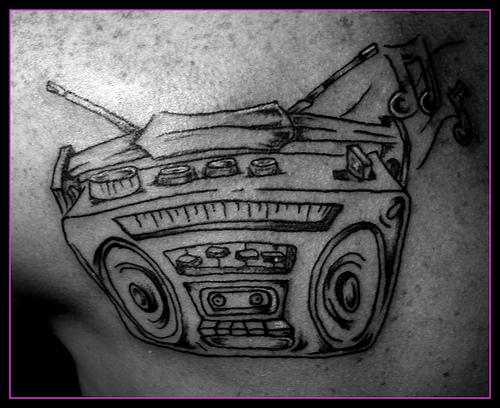 Tatuagens com o tema música (46)