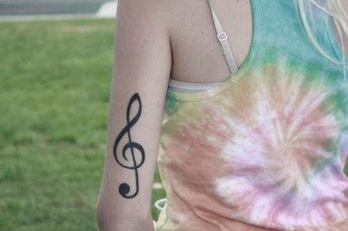 Tatuagens com o tema música (40)